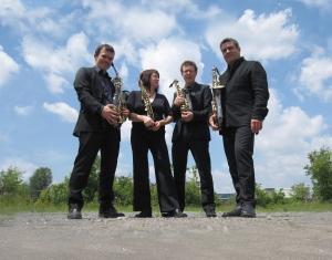 Le quatuor de saxophones Quasar photographié par François Morin.
