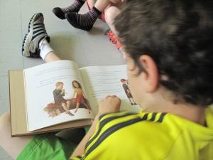 Quelque 25.000 élèves participeront en classe aux activités du Grand jeu / Grande écoute pendant l'année.
