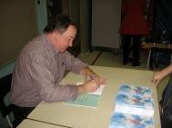 Denis Gougeon a beaucoup signé la bande dessinée qui explique sa vie aux enfants.